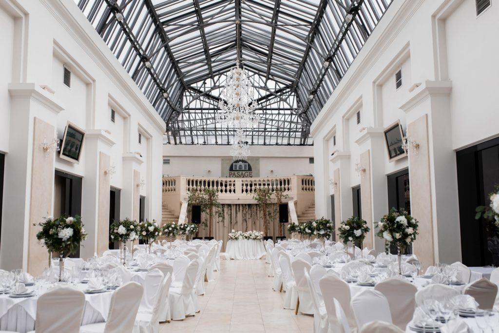 24/7 venue access wedding venue